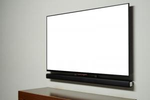 תליית טלויזיות מקצועית ובטיחותית